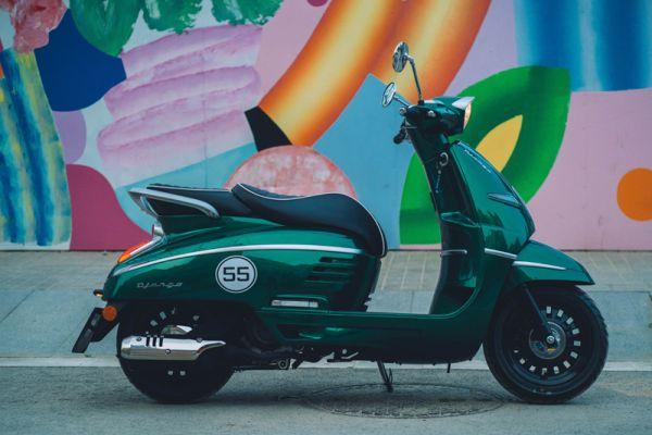 django-13-racing-green-barcelonaD9489349-2E5B-11AF-9050-F63AB1F2B608.jpg