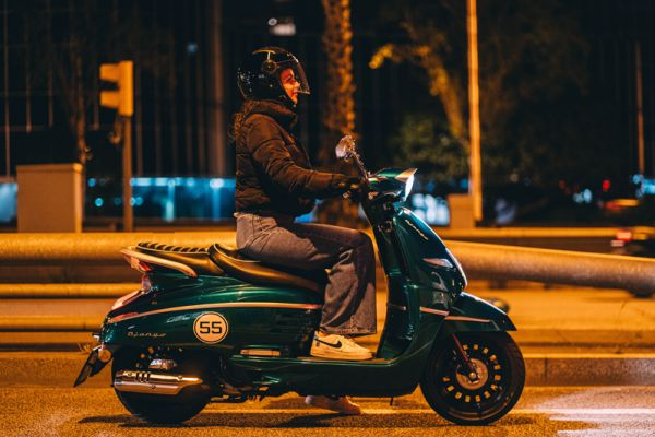 django-27-racing-green-barcelonaEABCE206-3FA7-23B8-F362-484ABBADB24D.jpg
